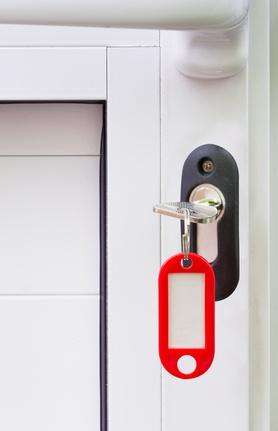 la clé sur la porte